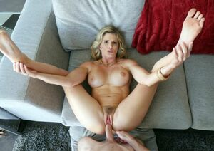 blonde milf galleries
