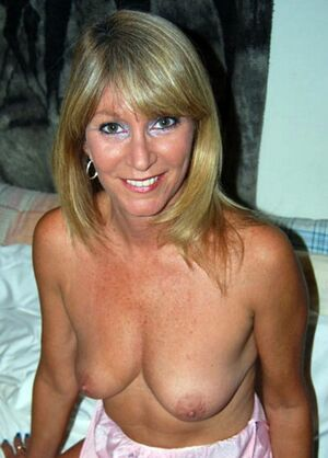 naughty milfs naked