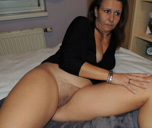 mature dildo orgasm