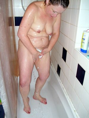 mature naked wife pics