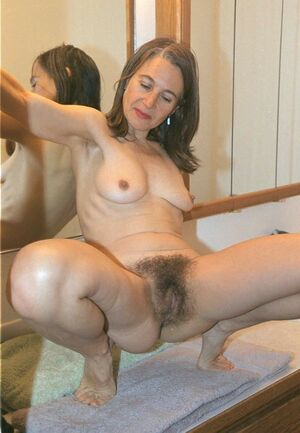 mature hairy pussy com
