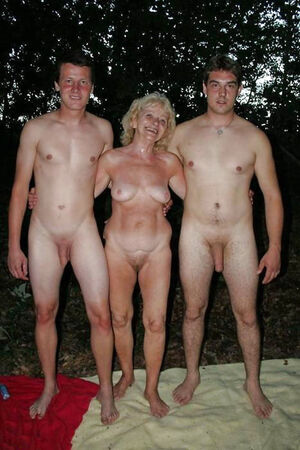 mother son nudist