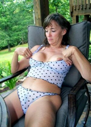 mature nudist galleries
