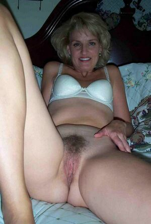 bad mom nude