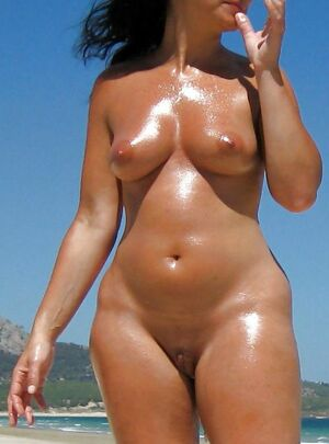 nudist family mom