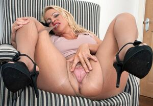 mom son pantyhose