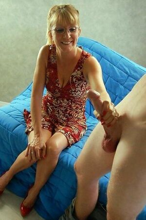 amature mature handjob