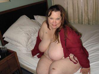 Nackt big mom Big Tits